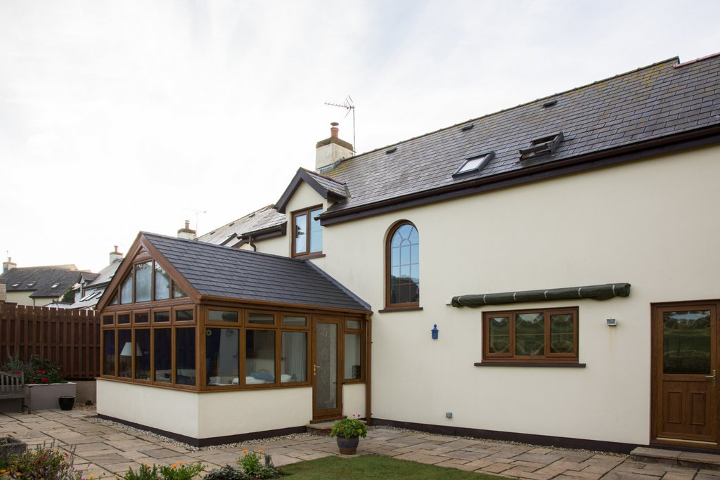 Leka solid conservatory roof